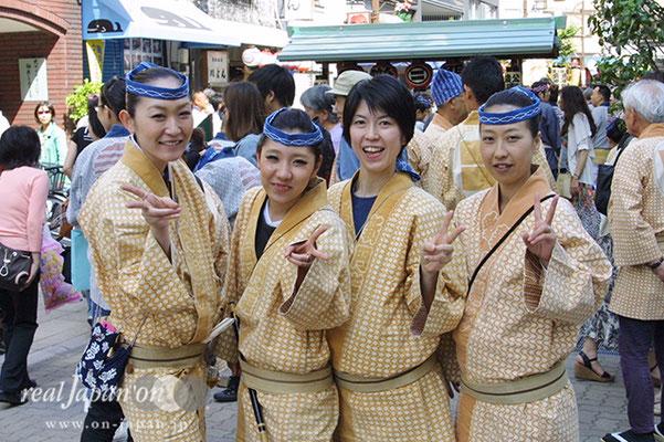 新門囃子さん。お囃子の魅力?愉しいから、江戸っ子だから。小さいころからお囃子は続けています。池袋、赤坂、深川など色々な祭りで奏でています。