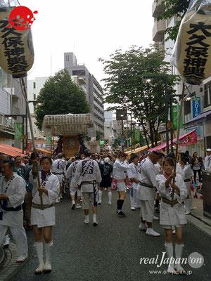 2017年 横浜開港祭 みこしコラボレーション「大久保神輿会」YH17_006