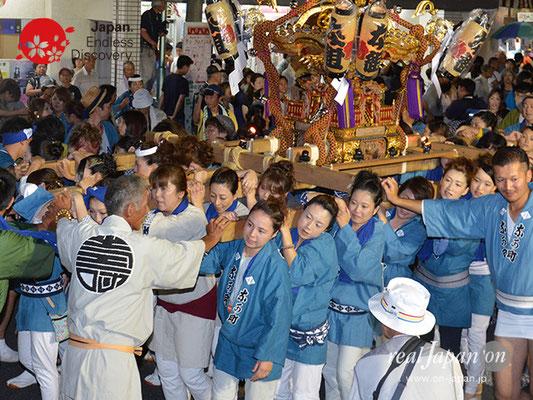 〈八重垣神社祇園祭〉女神輿連合渡御:仲町区 @2017.08.04 YEGK17_011