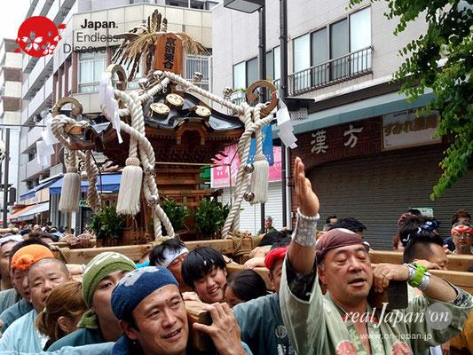 2017年 横浜開港祭 みこしコラボレーション「京濱連合」YH17_022