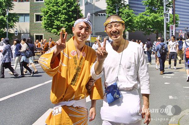 明神下 神臺會(じんだいかい)さん。小さい頃から神田祭には参加しています。他には、三社祭、鳥越祭から埼玉、千葉の祭まで参加します。神田祭は穏やかで楽しいよね。