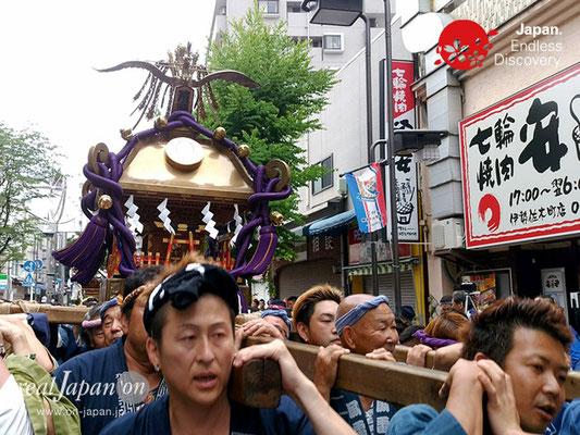2017年 横浜開港祭 みこしコラボレーション「濱睦」YH17_023