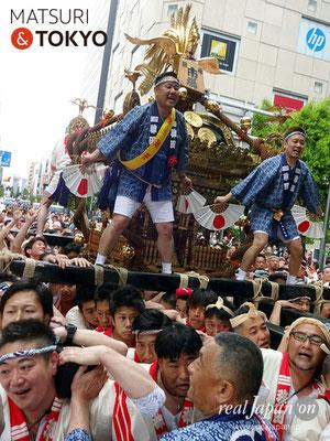 〈神田祭 2017.5.14〉江戸神社奉賛会(旧神田市場) 千貫神輿 ©real Japan'on -knd17-015