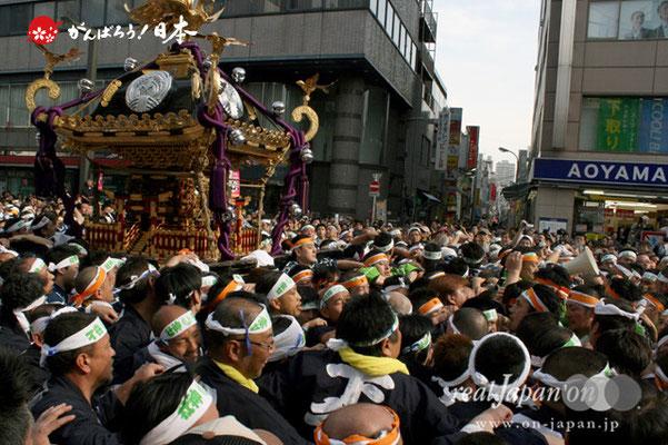 〈下谷祭〉本社神輿渡御(御徒町駅ガード付近)@2012.05.13