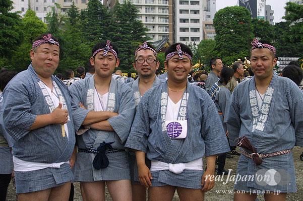 浅西 笹川睦さん:三社祭の魅力は宮出しと、この100基以上集まる町内神輿連合渡御。その他の祭?三多摩地区や湘南・浜降祭もいいよね。