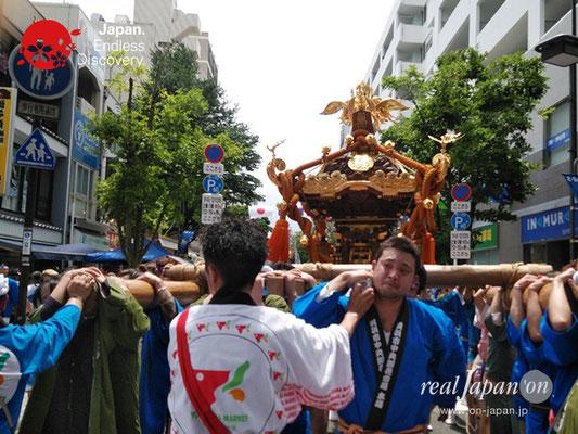 2019 第14回みこしコラボレーションinイセザキ「横濱 市場魚河岸神輿會」_YH19_003