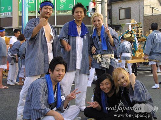 横町さん。仲間と楽しく、普段できないことを楽しめる祭はやめられないね。