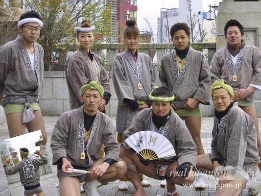日本神輿協会所属 江戸神輿愛好會 上溝睦さん。オススメの祭は地元相模原の上溝まつり(7月4日予定)。祭の魅力?自己満足というのもあるけど、人と人のつながり、そして、日本の伝統文化を受け継ぐことかな。会員も募集中!現在会員数50人です。