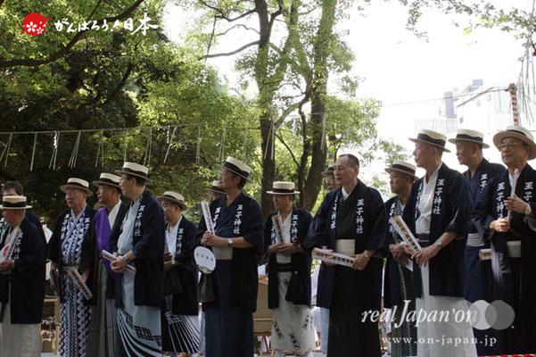 〈王子神社例大祭〉町の繁栄と神輿渡御の安全を祈願してお札を授かる各町代表者 @2012.08.05