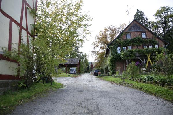 Einfahrt nach Fahrenbach. Quelle: Kulturfabrik e.V. medienWERK, Eschwege