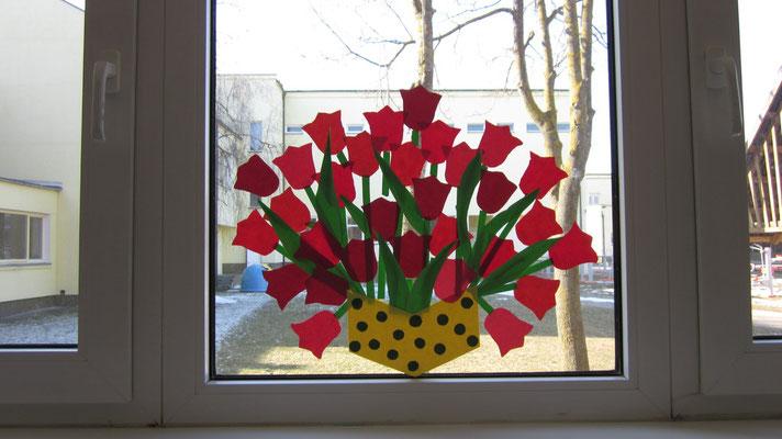 2012 m pavasaris. Pavasaris! Puokštė skirta Jums , mielosios mamos. Su kovo 8-ąja!
