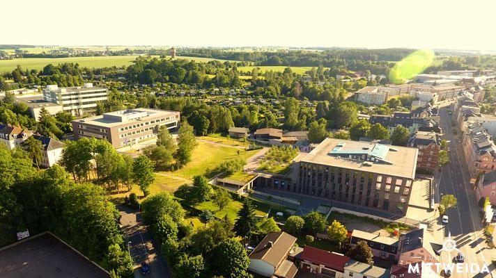 Laserinstitut (links) und Zentrum für Medien und Soziale Arbeit (ZMS) (rechts) an der Bahnhofstraße