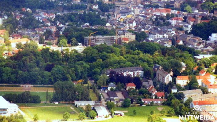 Schwanenteich und Baustelle Haus 6 der Hochschule
