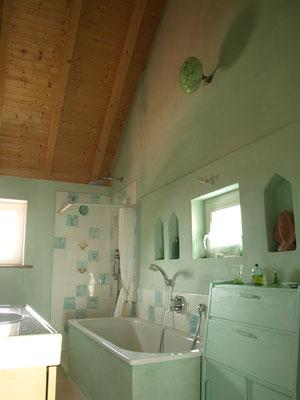 großes Badezimmer 1. Etage