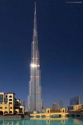 Burj Khalifa by Michael Schnabl