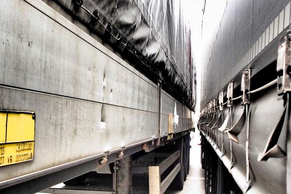 die Lücke zwischen 2 Trucks