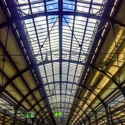 Dach des Frankfurter ICE -Bahnhofs