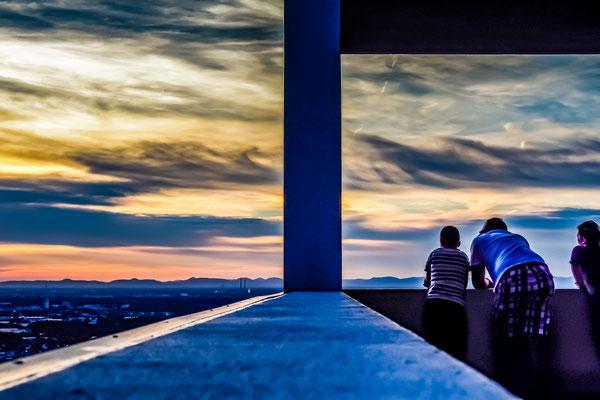 Der abendliche Blick in die Rheinebene