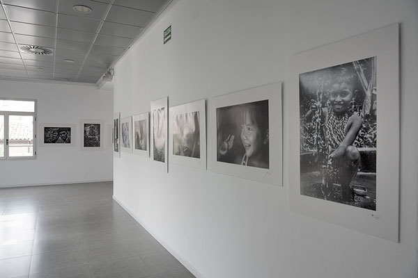 Joaquin Roncal, Joe Recam , Asian Portraits, Retratos de Asia, Zaragoza, Exhibición de fotos