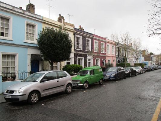 Hübsche, bunte Häuschen hier in Notting Hill