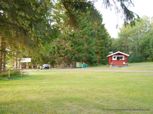 "Kleiner, namenloser Campingplatz kurz vor Tanumshede, genannt ""Heljeröds Camping"" bei Google Maps"