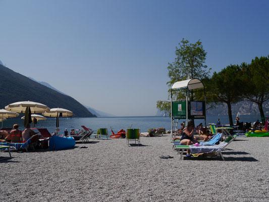 Strand von Torbole - wie aus dem Bilderbuch...