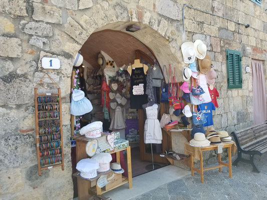 Kleiner Laden mit Souvenirs