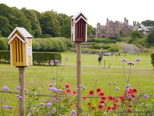 Blick aufs Schloss vom Kräutergarten aus