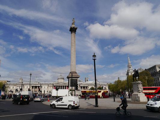 Am Trafalgar Square mit Nelson-Säule