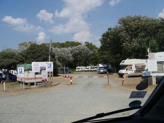 Ankunft am Stellplatz in Marinella di Sarzana
