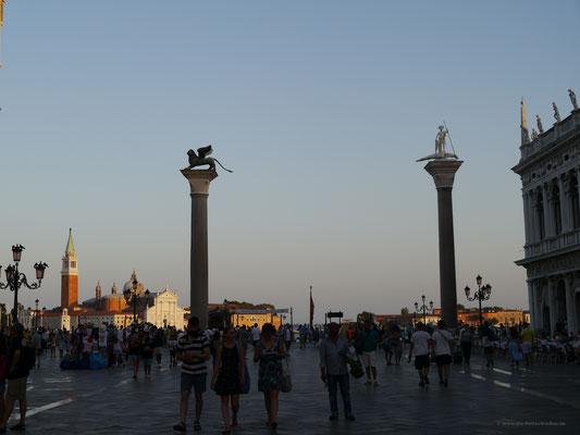 Säulen mit Markuslöwe und Statue des Theodorus, Venedigs Schutzheilige