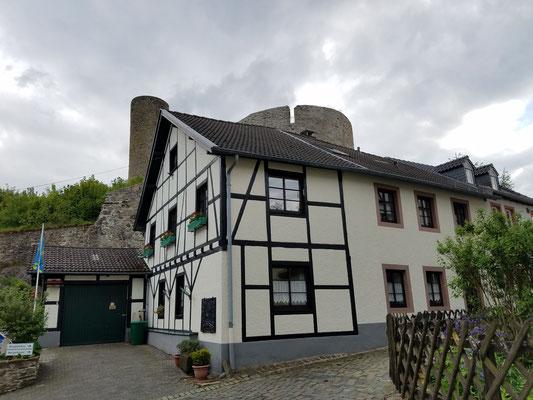 Fachwerk und Burg