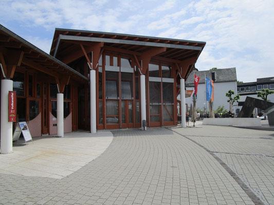 Platz vor dem Besucherzentrum