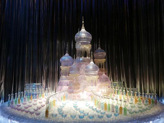 Eispalast fürs Weihnachtsfest im großen Saal