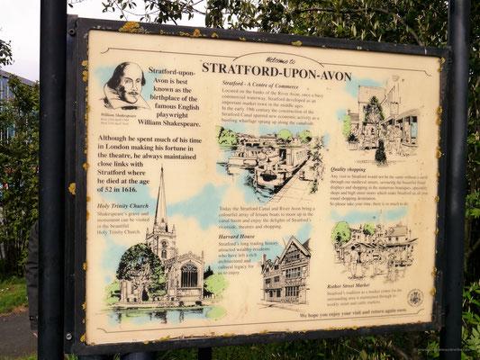 Info-Schild am Parkplatz über die berühmte Shakespeare-Stadt