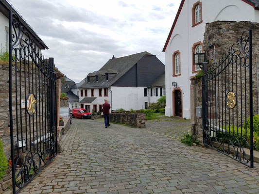 Ausgang zum Burgbering