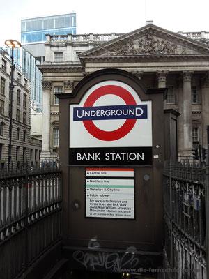 """Zwischenstation """"Bank"""" ..."""