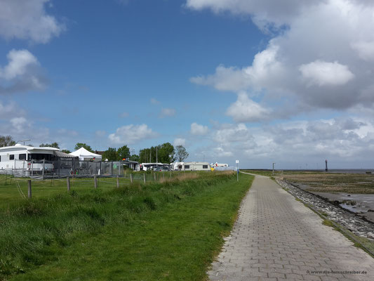 Campingplatz mit unverstellter Aussicht übers Meer