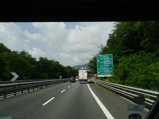 Die Autobahnen führen um Genua herum