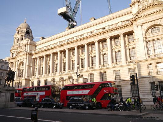 Prachtgebäude entlang der Whitehall