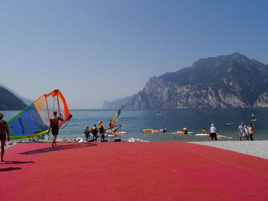 """Der """"rote Teppich"""" für die Surfer"""