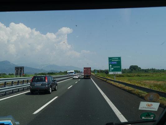 Kurz vor der Abfahrt Carrara