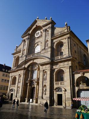 kath. St. Martin Kirche direkt am Grünen Markt