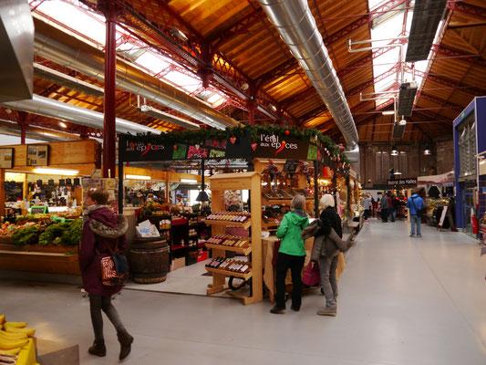 Im Inneren des Marktes