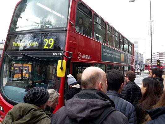 Abfahrt vom Camden Market Richtung Leicester Square