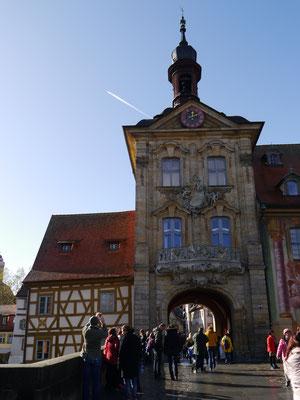 Altes Rathaus von der Brücke aus gesehen
