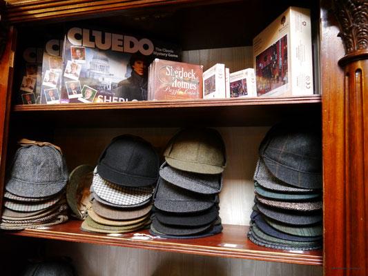"""Deerstalker-Mütze des """"alten"""" Sherlock, Cluedo mit dem """"neuen"""""""