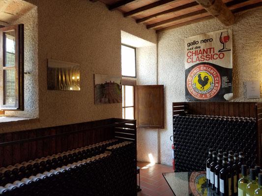 Hunderte von Flaschen des Chianti