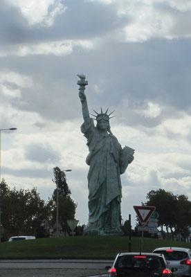 12m hohe Kopie der Freiheitsstatue in Colmar - der Heimatstadt des Erschaffers Frédéric-Auguste Bartholdi