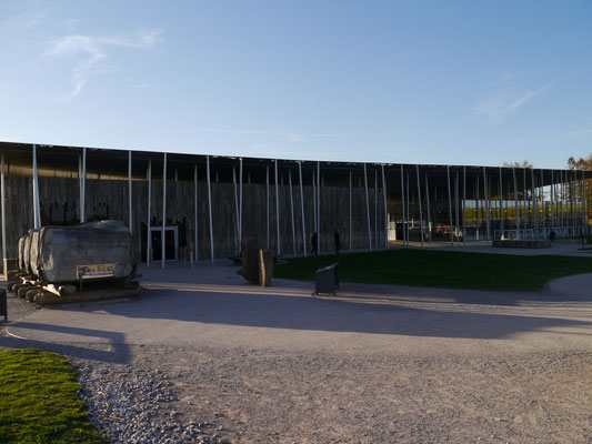Am rückwärtigen Teil des Besucherzentrums